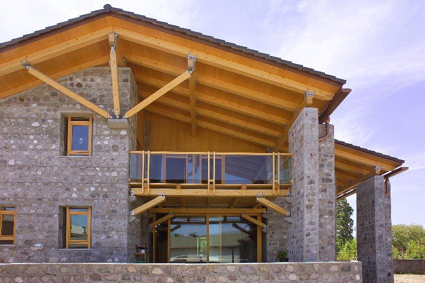 Costo in legno travi in legno costo images gullov com for Casa in legno costo totale